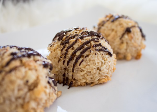 Coconut Cashew Macaroons