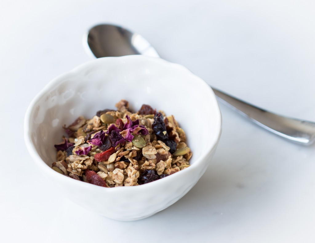Granola with Rose Petals.1