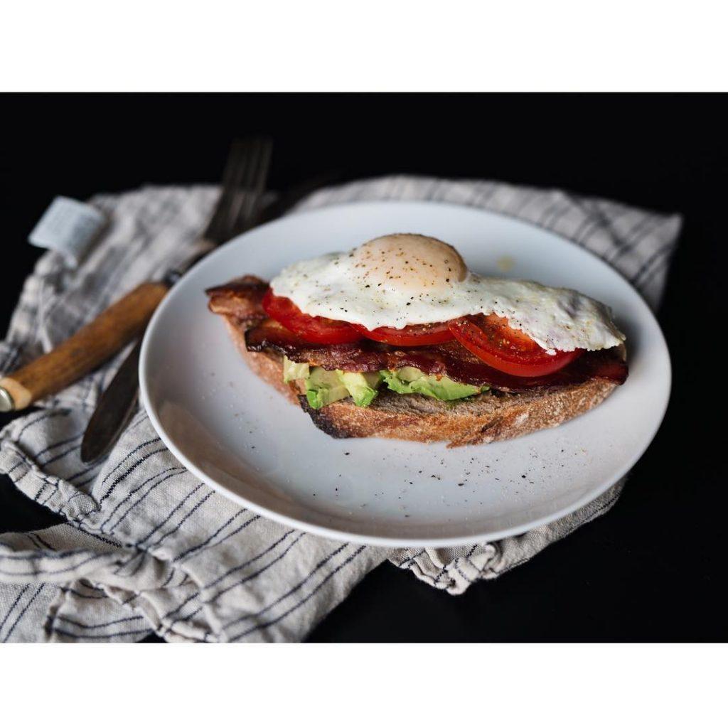 Whats good hisbreakfast sourdough breakfast mornings yycliving yyc foodphotography holisticnutritionhellip